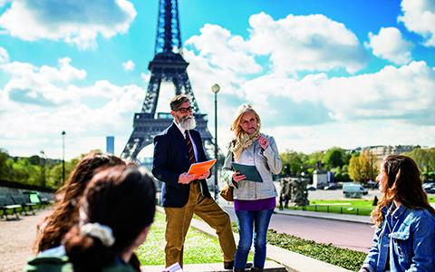 Vi tager til Paris og diskuterer HR på tværs af landegrænser